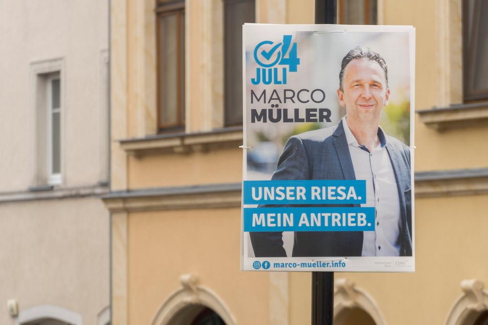 Marco Müller ist seit 2014 OB von Riesa. Damals erreichte das CDU-Mitglied 57,1 Prozent der Stimmen. Seine Herausforderin, Uta Knebel von der Linken, kam auf 42,9 Prozent.