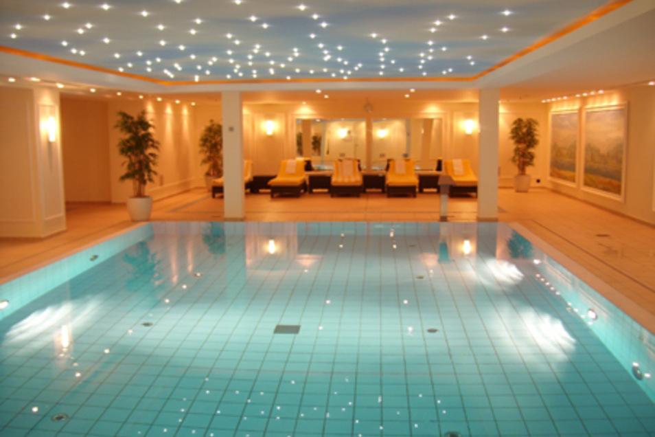 Das luxuriöse Ambiente des Maritim Hotels in Dresden ist der ideale Ort für verwöhnende Wellnessanwendungen und Massagen.