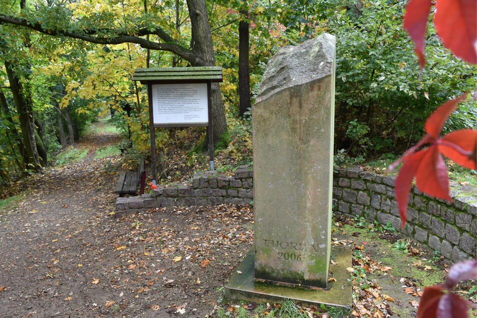 Die AG Gedenken hatte die Idee für eine Stele am Burgwartsberg. Sie soll an das Castell Thorun erinnern.