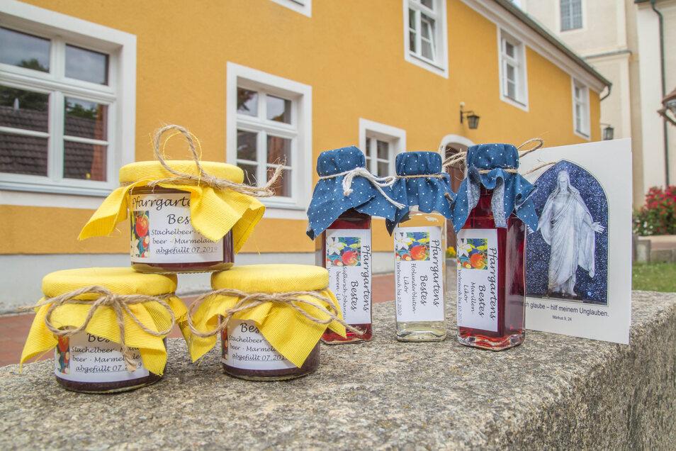 """""""Pfarrgartens Bestes"""" - so nennen sich die Rothenburger Marmeladen und Liköre, die es in den unterschiedlichsten Varianten gibt."""