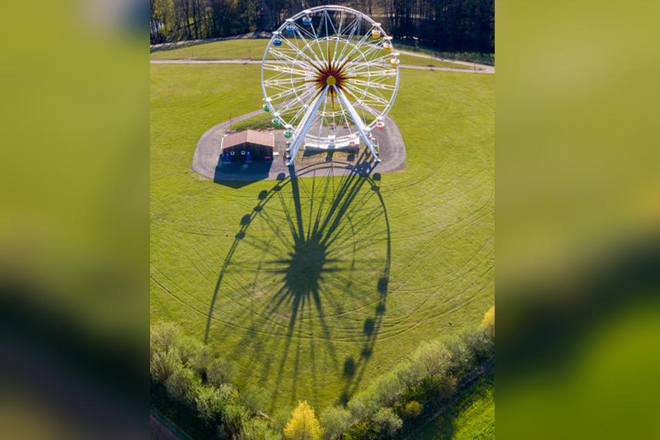 Das Riesenrad im Freizeitpark Sonnenland bei Lichtenau erwartet das Riesenrad ab Montag die Besucher.