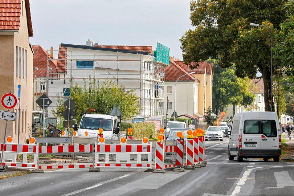 Vorsicht und Rücksicht: Die Baustelle auf der Leipziger Straße in Zittau bedarf Paragraf 1 der StVO.