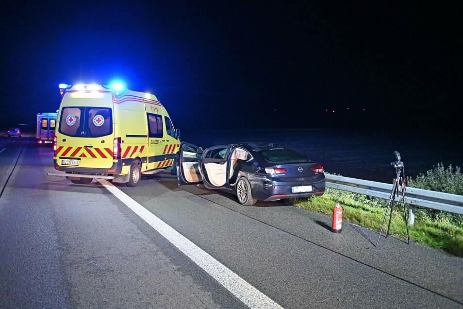Erst die Leitplanke konnte Sonntagmorgen einen Opel stoppen, nachdem dessen Fahrer auf der A 4 die Kontrolle über das Fahrzeug verloren hatte.