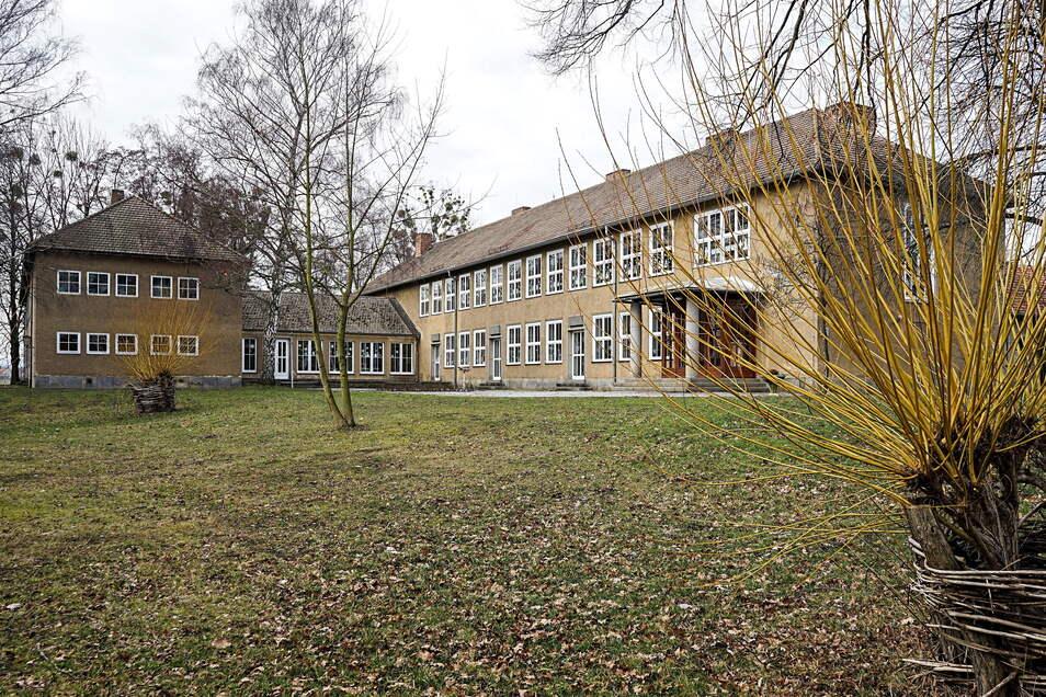 Die Grundschule in Baruth soll zwei Anbauten bekommen, damit später die Oberschüler dort lernen können.