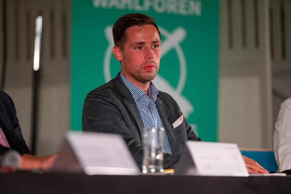 CDU-Kandidat Florian Oest und ein Unterstützer. Videos sorgen jetzt in der SPD für Streit.