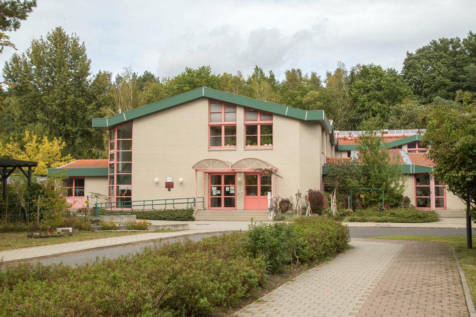 Die Gutenbergschule wird für 1,4 Millionen Euro grundlegend saniert. Die Förderschüler bekommen dabei einen neuen Schulklub gebaut.