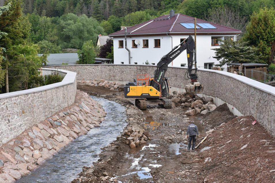 In Ulberndorf wurde das Flussbett der Weißeritz ausgebaut.