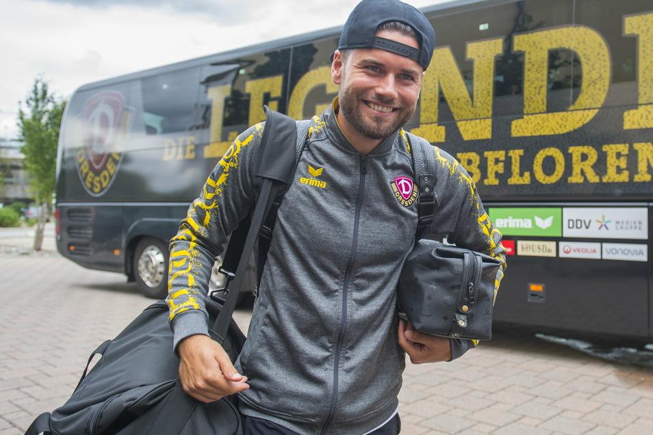 Wieder an Bord. Hier kommt Niklas Kreuzer mit Dynamo in einem früheren Trainingslager an - nun kehrt er zu den Schwarz-Gelben zurück.