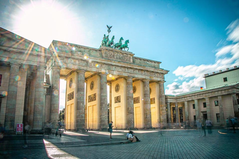 Das Brandenburger Tor zählt als Symbol der Wiedervereinigung Deutschlands.