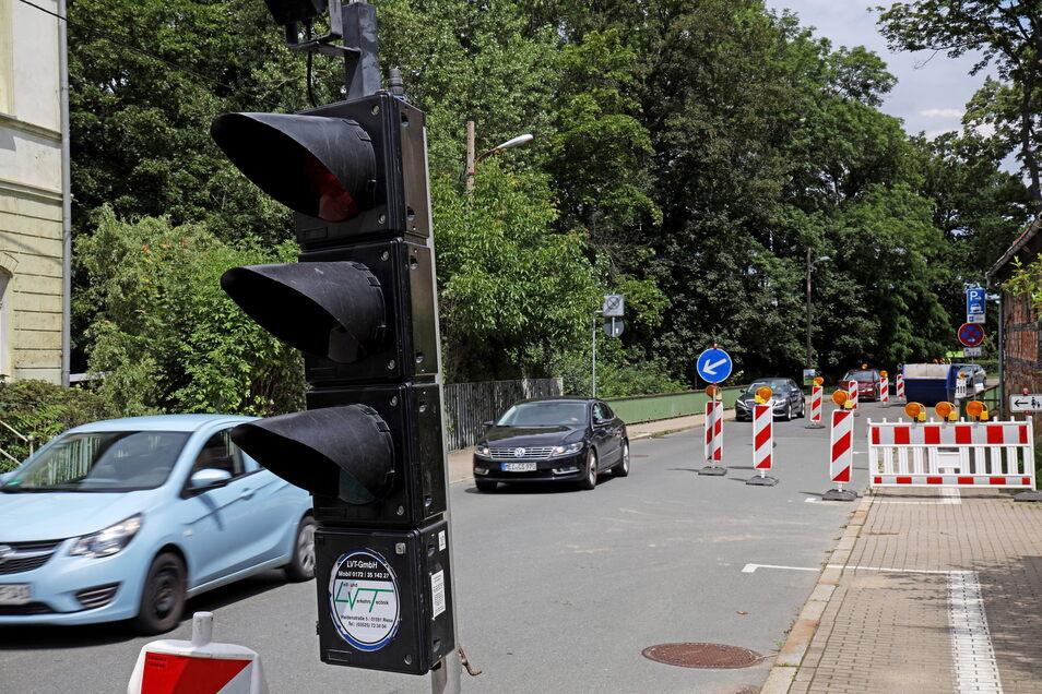 Diese Baustellenampel sorgt bei manchem Autofahrer für zusätzlichen Pendel-Frust.
