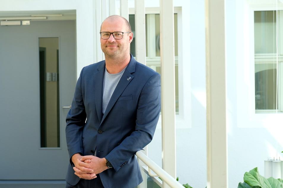 """""""Wir arbeiten an einem Modell, wie wir jungen Familien beim Kauf von Grundstücken entgegenkommen können"""": Baudezernent Albrecht Herrmann."""