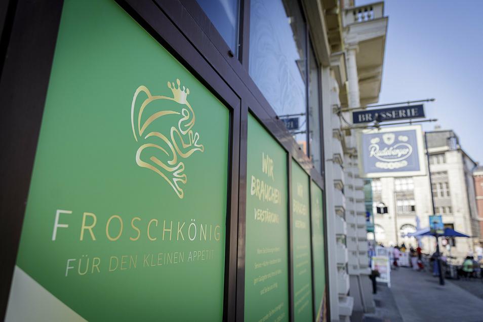 Grün und blickdicht: Im künftigen Café Froschkönig wird gerade saniert.