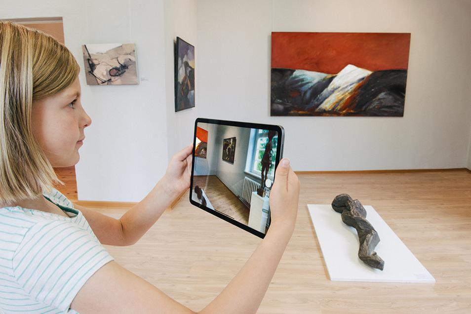 """Unter dem Titel """"Umbruch und Beständigkeit. Die Kunstsammlung Lausitz nach 1990"""" sind analog an zwei Standorten und virtuell insgesamt mehr als 100 Werke von über 80 Künstlerinnen und Künstlern zu sehen."""