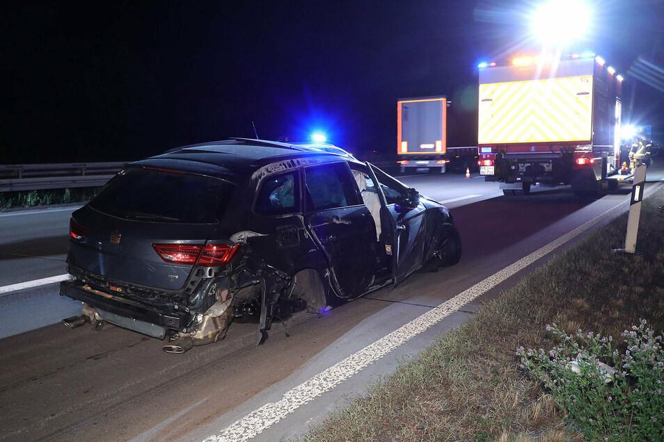 Die Autobahn war in Richtung AD Nossen zeitweise gesperrt. Später wurde der Verkehr auf der linken Fahrspur an der Unfallstelle vorbeigeleitet.
