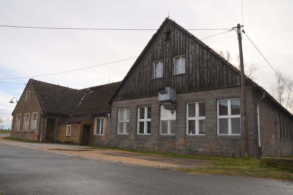 Die alte Schule in Königshain.