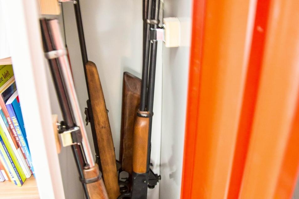 Nicht alle Luftdruckwaffen haben die Einbrecher mitgenommen.