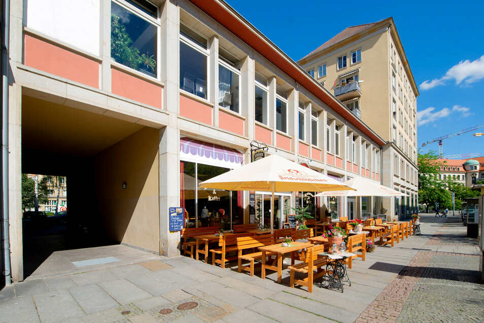 In diesem Bereich der heutigen Gewandhausstraße war früher das Haus von Casanovas Bruder Giovanni, in dem der bekannte Frauenheld oft zu Gast war.