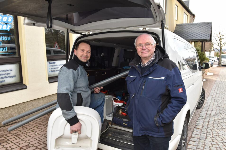 Andreas Büttner übergibt die Altenberger Traditionsschlosserei an seinen Sohn Adrian, der den Betrieb nunmehr in sechster Generation weiterführt.