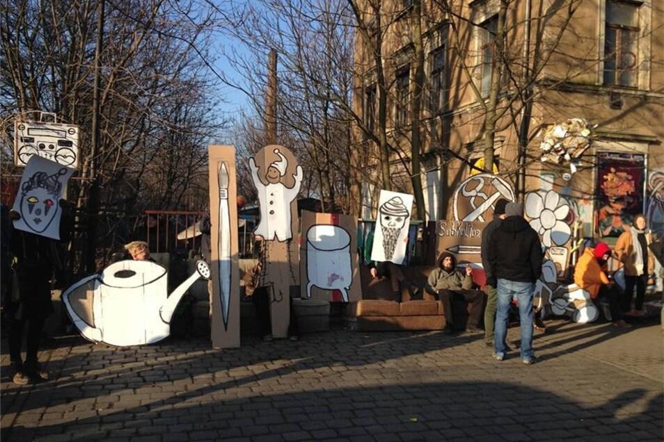 Auch auf der Leipziger Straße ist der Protest gegen die Räumung zu sehen.