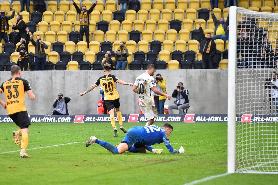 Julius Kade (nr. 20) hat im Hinspiel mit seinem Treffer zum 3:0 den Sieg für Dynamo endgültig perfekt gemacht.