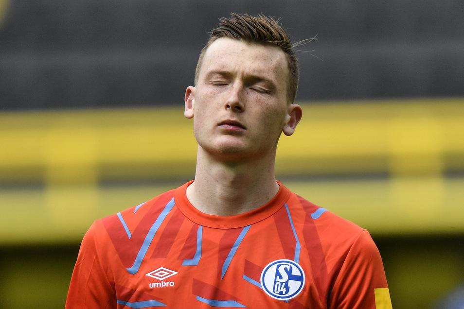 Ex-Dynamo Markus Schubert erlebt mit dem FC Schalke 04 einen enttäuschenden Tag. Der Torwart patzt bei der 0:4-Klatsche im Revierderby gegen Borussia Dortmund.