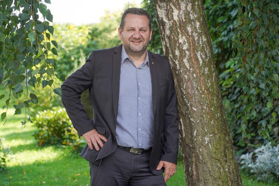 Matthias Schniebel ist FDP-Kreisrat im Landkreis Bautzen und will seine Region nun auch als Direktkandidat im Bundestag vertreten.