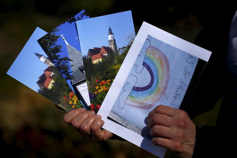 Solche handgeschriebenen Osterkarten wurden an 2.000 Gemeindemitglieder in Kamenz, Schmeckwitz und Cunnersdorf verschickt. Ein Mega-Projekt vieler fleißiger, ehrenamtlicher Hände.