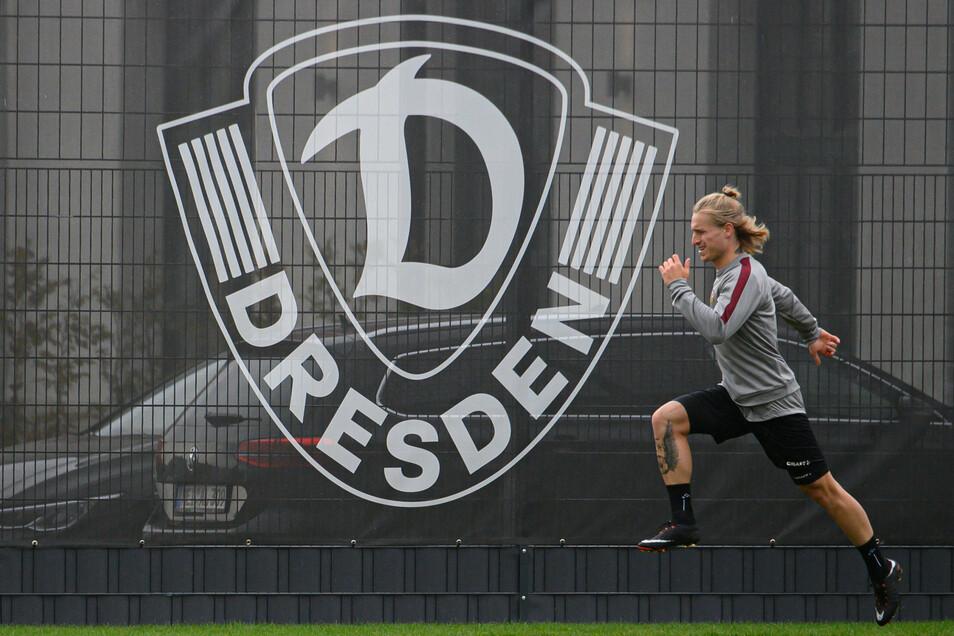 Gleich Tempo machen: Marvin Stefaniak trainiert am Dienstagvormittag zum ersten Mal nach seiner Rückkehr zu Dynamo in Dresden.