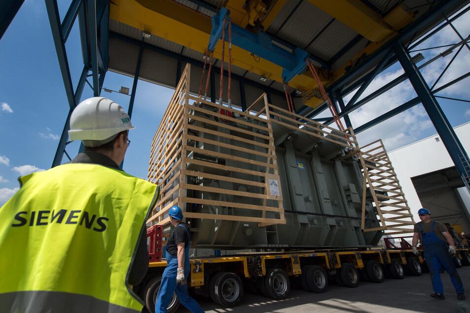 Bei Siemens in Dresden werden spezielle Transformatoren für die Industrie hergestellt. Das sorgt für Aufträge. Trotzdem werden Stellen abgebaut.