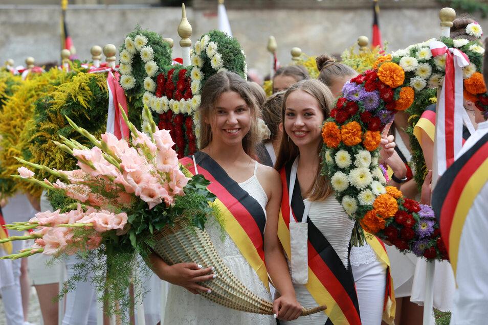 Das Kamenzer Forstfest ist das größte Schulfest Sachsens. Etwa 1.500 Schülerinnen und Schüler nehmen an den blütenreichen Umzügen teil. Ob und wann dieses Jahr gefeiert wird, ist zurzeit offen.