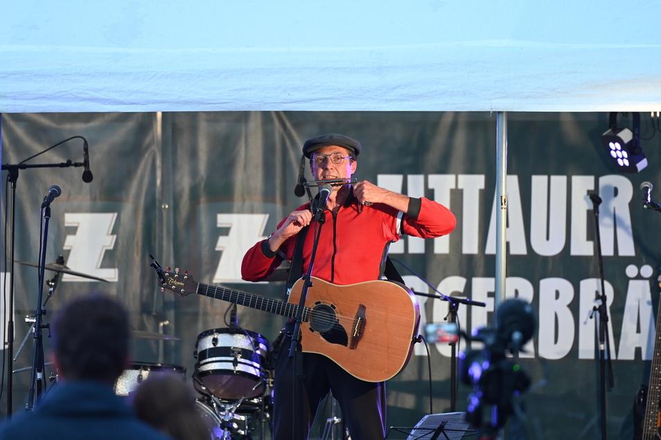 Kurt'l sorgte mit seinen Liedern in Mundart für Stimmung.