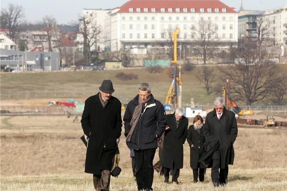 Bauarbeiten 2008  Jaroslav Kilian (l.) von der Denkmalschutzbehoerde ICOMOS und Giovanni Boccardi vom UNESCO Weltkulturerbezentrum besuchen am 4. Februar die Baustelle.