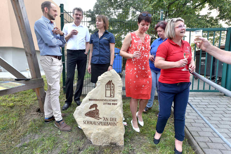 Den Namen der Anlage verrät der Stein am Haus.