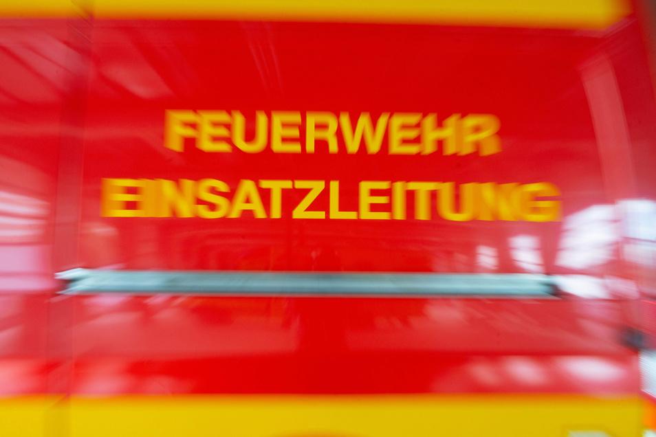Einsatzkräfte der Dresdner Feuerwehr mussten am Wochenende nach Prohlis ausrücken.