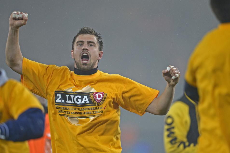 Bereits in der Saison 2010/11 stieg Benny Kirsten unter Trainer Matthias Maucksch zur neuen Nummer eins bei Dynamo auf - und blieb das auch unter dem nächsten Chefcoach Ralf Loose. Mit starken Leistungen auch in den Relegationsspielen gegen den VfL Osnabr