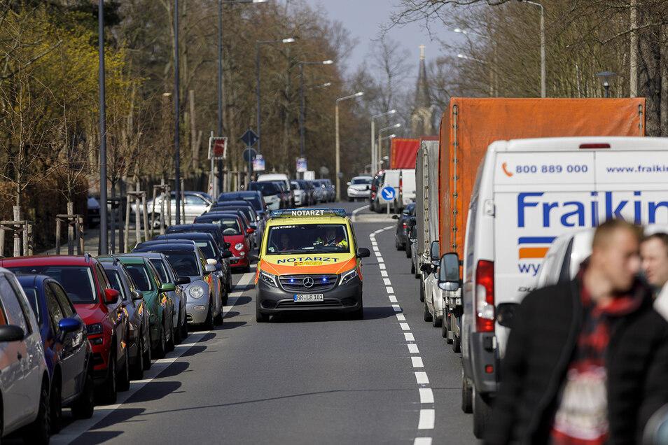 So staute sich der Verkehr nach der polnischen Grenzschließung Mitte März durch Görlitz.