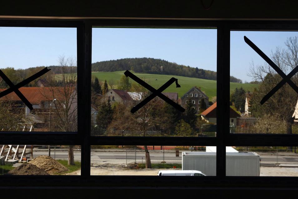 Aus den großen Fenstern vieler Gruppenräume ist der Heidelberg zu sehen - ein beliebter Anlaufpunkt für Wiesaer und Wanderer.