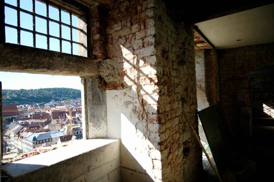 Zukünftige Bewohner haben einen Rundumblick auf die Meißner Altstadt. Das Gitter des alten Gefängnis bleibt erhalten.