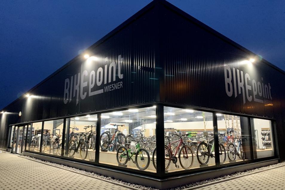 Die Fahrradsaison kann kommen: BIKEpoint Wiesner bietet am neuen Standort in der Straße E in Hoyerswerda während des Lockdowns unter anderem Live-Videoberatung und Werkstattservice an.