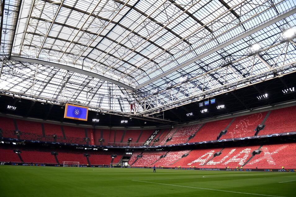 Amsterdam, Johan-Cruyff-Arena: 16.000 zugelassene Zuschauer; drei Gruppenspiele, ein Achtelfinale.
