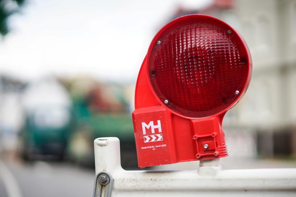 In Bischofswerda werden weiterhin Glasfaserkabel verlegt, was für Straßensperrungen sorgt. Aber auch aus einem anderen Grund müssen Autofahrer kleine Umwege in Kauf nehmen.