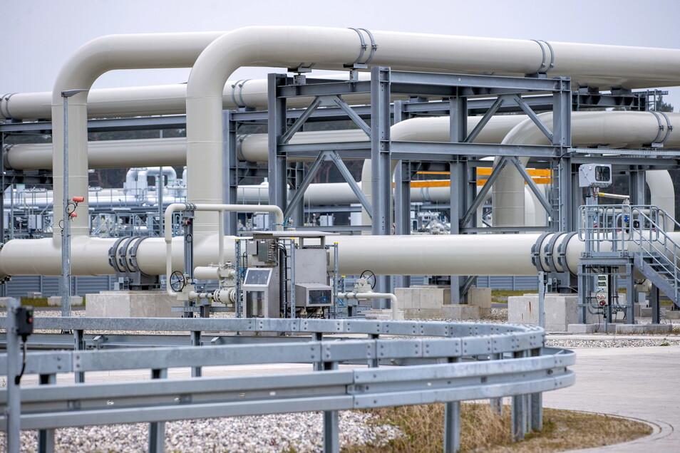 Rohrsysteme und Absperrvorrichtungen in der Gasanlandestation von Nord Stream 2 in Lubmin
