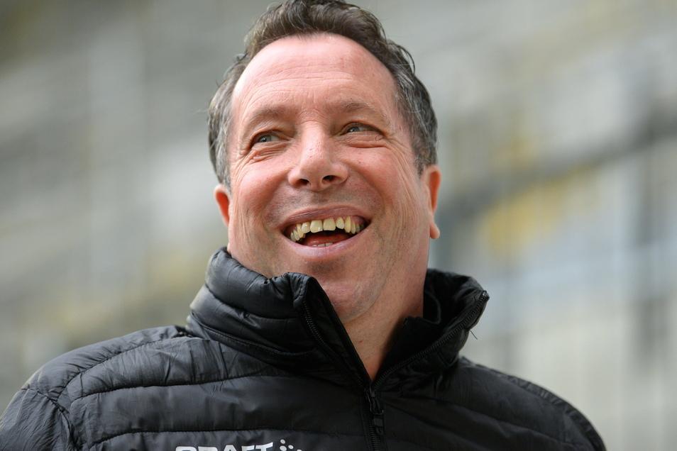Dynamos Trainer Markus Kauczinski freut sich auf das Spitzenspiel gegen seinen Ex-Verein Ingolstadt.