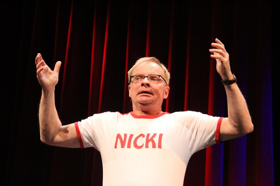 """Kabarettist  Uwe Steimle wird am 13. September in Weinböhla als Gast dabei sein, wenn die neuen Weinhoheiten gekürt werden. Ob im """"Nicki"""" oder  in Hemd und Anzug? Das wird sich zeigen.."""