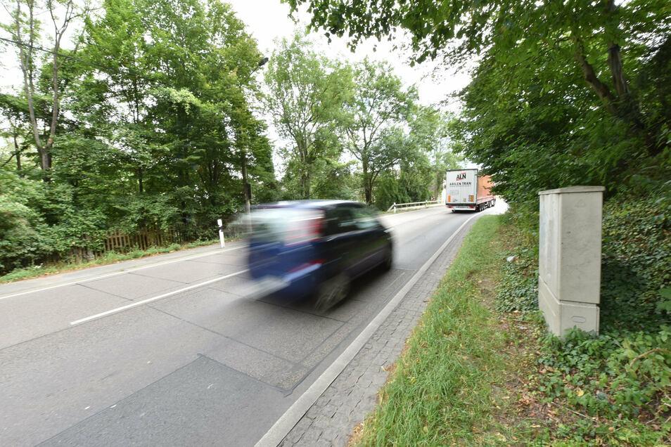 Auch in Heidenau vor der Pechhütte ist eine automatische Zählstelle für Fahrzeuge an der B 172 installiert worden.