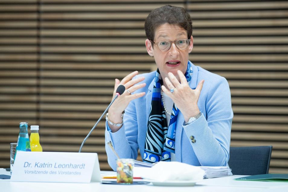 """Vorstandschefin Katrin Leonhardt will die Sächsische Aufbaubank """"vereinfachen, standardisieren und digitalisieren"""". Die Standorte Leipzig und Dresden würden gleichberechtigt."""