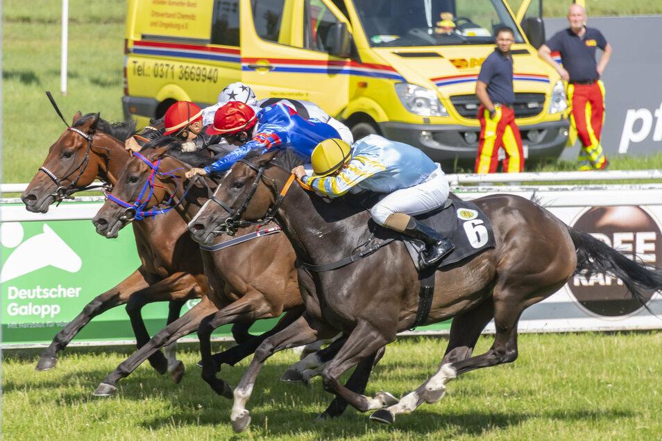 Im Juli fanden noch alle Rennen ohne Publikum statt, am Samstag nur zwei von neun mit Zuschauern.