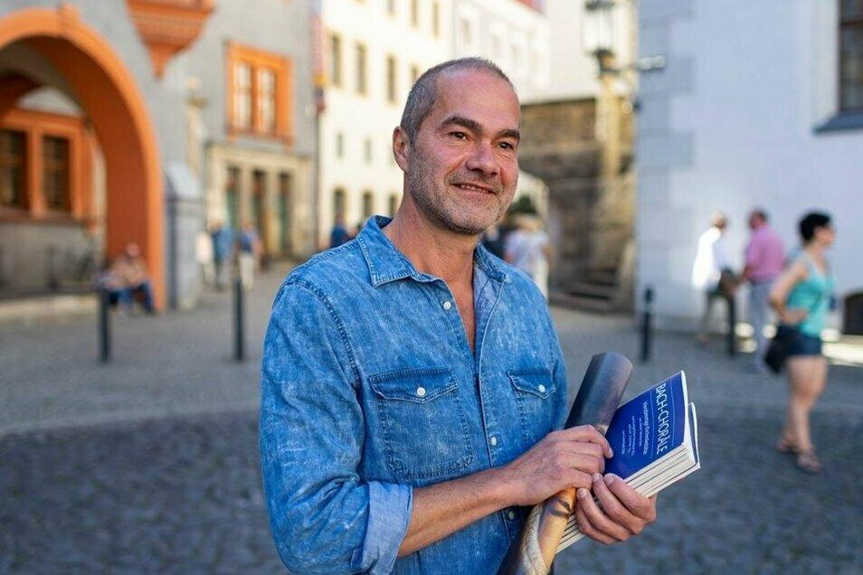 Der Görlitzer Kirchenmusikdirektor Reinhard Seeliger auf dem Görlitzer Untermarkt.