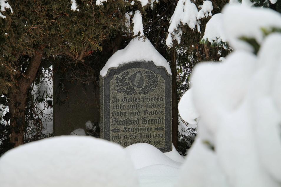 Das Grab des Kruzianers Siegfried Berndt in Kreischa soll als Kriegsgräberstätte anerkannt werden.