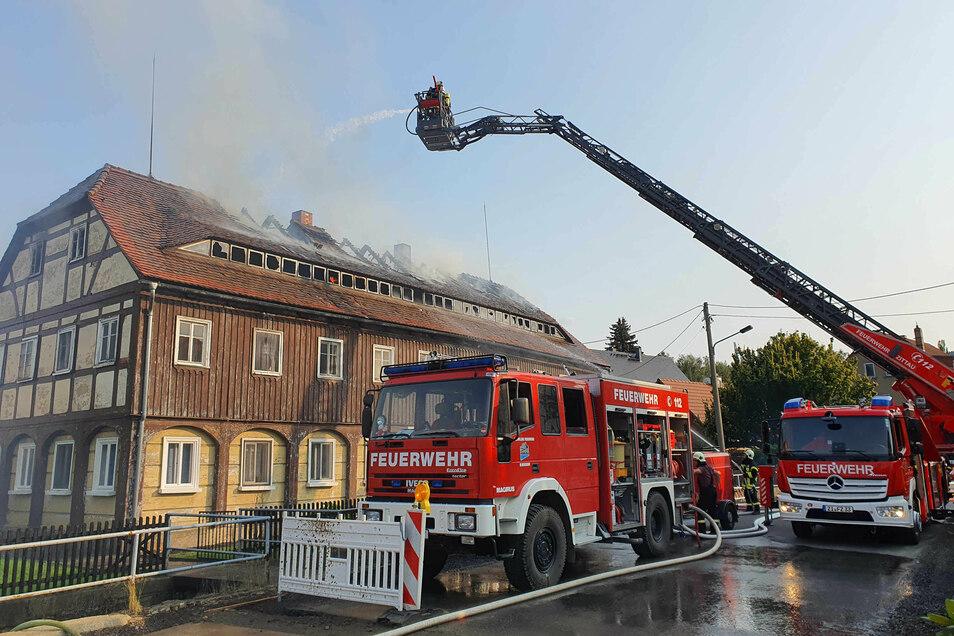 Das Umgebindehaus ist nach dem Brand unbewohnbar.